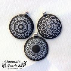 Polymer clay pendants, silk screen technique | www.facebook.com/mountain.pearls