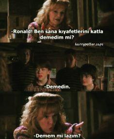 İlgili resim Harry Potter Cast, Boys Who, Hogwarts, Fangirl, Film, Funny Memes, It Cast, Humor, Books