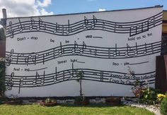 #Glee #notes #dontstopbelieving #musicmural #streetart #mural #streetartpoland #fluomural #music #gleek #inspiration ❤🙉 https://m.youtube.com/watch?v=Ev_1hA097VY