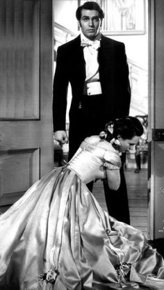 Laurence Olivier (Heathcliff) and Geraldine Fitzgerald (Miss Linton) - Wuthering Heights, William Wyler, 1939 Golden Age Of Hollywood, Vintage Hollywood, Hollywood Stars, Classic Hollywood, Emily Bronte, Old Movies, Great Movies, Vintage Movies, Geraldine Fitzgerald