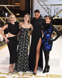 This past week, we've seen the Charlie's Angels cast shimmy down multiple red carpets, showing off their eclectic fashion styles as they promote the new movie. Celebrity Look, Celebrity Couples, Celebrity Crush, Kristen Stewart, Estilo Megan Fox, Charlies Angels Movie, Angel Movie, Naomi Scott, Famous Girls