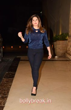 Zareen Khan snapped at Event Indian Bollywood Actress, Bollywood Actors, Indian Actresses, Zarine Khan Hot, Buxom Beauties, Glitter Dress, Stylish Girl Pic, Most Beautiful Indian Actress, Girls Dpz