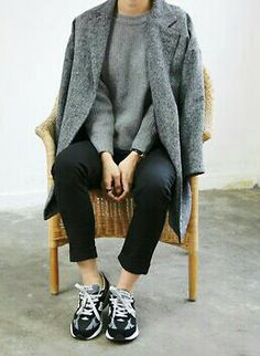sneaker stylE #casual #outfit #blackandgrey