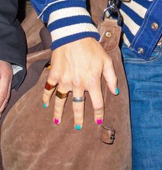 Styles Harry, Harry Styles Concert, Harry Styles Pictures, Harry Edward Styles, Lines On Nails, Harry Styles Wallpaper, Mr Style, Pretty Hands, Nail Inspo