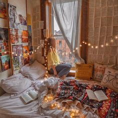 Close-guarded Strategies Of Bed Ahead Of Window No Headboard Master Bedrooms Discovered 32 Cute Bedroom Ideas, Cute Room Decor, Room Ideas Bedroom, Bedroom Decor, Bedroom Plants, Bedroom Inspo, Dream Rooms, Dream Bedroom, Bedroom Yellow
