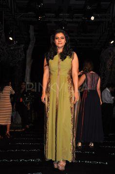 Kajol ,Tanisha attend Manish Malhotra's show at LFW SR 14 1