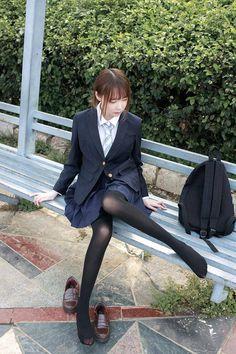 Black Pantyhose, Black Tights, Cute Asian Girls, Beautiful Asian Girls, School Uniform Girls, Lovely Legs, Tights Outfit, Sexy Stockings, School Fashion