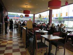 Windows and lights Coffee Shop Interior Design, Interior Design Photos, Coffee House Decor, Restaurant Ideas, Lights, Coffee Shops, How To Plan, Costa, Joy