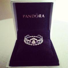 Pandora crown ring with crystal.