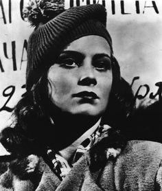 Alida Valli: a bobble hat's a hard look