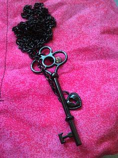 This key makes me happy... I love skeleton keys!
