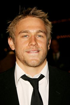 Charlie Hunnam ♥ even when he's Christin Grey.he'll just be a kinky Jax Teller in a suit Sons Of Anarchy, Charlie Hunnam Soa, Prince, Jax Teller, Romance, Raining Men, Christian Grey, Actors, Baby Daddy
