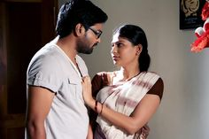 #VennillaVeedu Movie Review : Run for their life - http://tamilcinema.com/vennilla-veedu-movie-review/