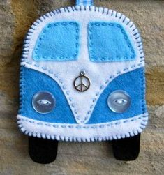 Make yourself a felt Campervan Decoration