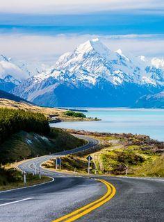 Aoraki & Lake Pukaki, Canterbury, New Zealand (by Dav Wong ) (Yes, I know…