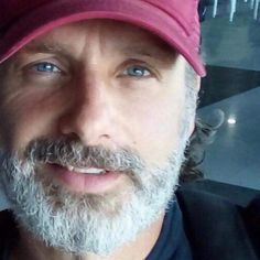 Minutes adore him Walking Dead Tv Show, Walking Dead Memes, The Walking Dead Tv, Daryl Twd, Daryl And Rick, Andrew Lincoln, Rick Grimes, Ricky Dicky, The Other Guys