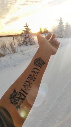 Tattoo in memory of my best friend .- Tätowierung zum Gedenken an meine beste Freundin – Tattoo in memory of my best friend – … – tattoo – - Forarm Tattoos, Mom Tattoos, Cute Tattoos, In Memory Tattoos, Tatoos, Rose Tattoo Forearm, Tattoos Of Names, Forearm Name Tattoos, Tribal Hand Tattoos