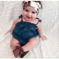 Com quanto tempo o Bebê consegue ter firmeza no corpinho para se sentar? Aprenda a fazer brincadeiras para estimular o desenvolvimento mais rápido. Confiram! ;)