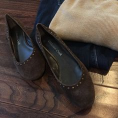 Coldwater Creek size 6 brown suede flats NWOT Coldwater Creek brown suede flats with matching stud accents. Size 6M. Coldwater Creek Shoes Flats & Loafers