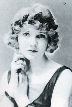 Claire Windsor Photo by Evans Charlie Chaplin, Hollywood Photo, Classic Hollywood, First Winter Olympics, Charleston Dance, Edna Purviance, Irish Free State, Dh Lawrence, Saints And Sinners