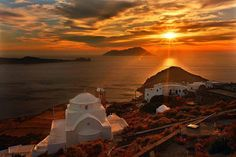 Sunset in Milos Cyclades, Greece Places Around The World, The Places Youll Go, Places To See, Around The Worlds, Beautiful Sunset Pictures, Beautiful Places, Amazing Places, Amazing Pictures, Beautiful Sky