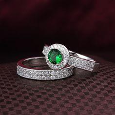 Vintage Women's 14K White Gold Green Round Diamond Engagement Wedding Ring Set