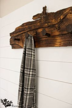 I need some sort of coat rack. just an idea, not big on this exact design. Railroad Spike Hook Rack by The Wood Grain Cottage Wall Hook Rack, Wall Hooks, Barn Wood Projects, Home Projects, Deco Design, Old Wood, Wood Art, Rustic Decor, Western Decor