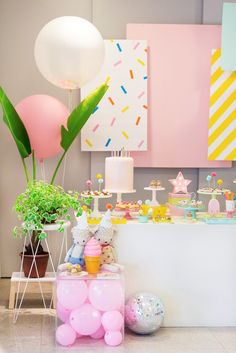 Trendy simple party themes for kids Girl Birthday Decorations, 2nd Birthday Party Themes, Kids Party Themes, Decoration Party, Fiesta Shower, Sprinkle Party, Festa Party, Ice Cream Party, Candy Party