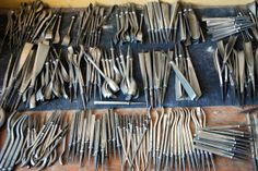 Patrick Damiaens: Dastra Wood-Carving Tools   [ LJ sez: Look at all those crookneck chisels!  Helluva collection, all told. ]