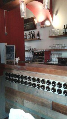 Wine bar Interior Design  by  Tabacco Secco decorazioni www.tabaccosecco.net