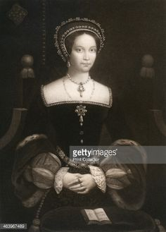 Mary Tudor , daughter of Henry VIII and Catherine of Aragon. 1553 was crowned Queen of England