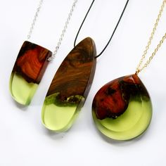 Melbourne-based designer Britta Boeckmann has a talent for creating absolutely gorgeous, handmade jewellery. Transforming wood and resin into a diverse array of eye-catching pendants and rings, the artist sells her stunning accessories through her Etsy sh Wooden Jewelry, Glass Jewelry, Jewelry Shop, Jewelry Art, Jewelry Accessories, Jewelry Making, Diy Jewellery, Kerala Jewellery, Jewellery Holder