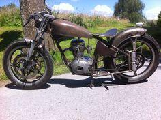 Motoconfort U46 125 1951 bobber caféracer rétro-moderne custom motobecane Z46, jouet pour adulte,le fun absolut stuntac usinage alu taillé dans la masse