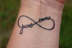 The best way to declare your feeling is through an infinity tattoo on your body. Check out these creative infinity tattoo designs and their meanings. Infinity Name Tattoo, Infinity Tattoo Designs, Cross Tattoo Designs, Infinity Symbol, Name Tattoo Designs, Infinity Heart, Double Infinity, Sister Infinity, Infinity Cross