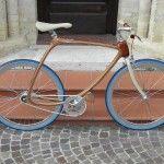 Beautiful wood composite bicycle http://www.blog-espritdesign.com/transport-2/velo-transport-2/carbon-wood-bike-le-velo-fait-main-par-cwbikes-31618/attachment/olympus-digital-camera-48