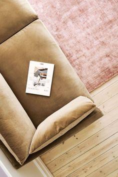 Rosa Sofa, Sofas, Modul Sofa, Sofa Company, Beige Sofa, Living Room Modern, Pink Yellow, Black Metal, Lounge