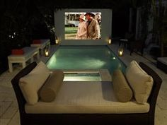 Backyard movie theatre and tropical pool by Campion Platt Interiors Backyard Movie Theaters, Backyard Movie Nights, Outdoor Cinema, Outdoor Theater, Deco Design, Design Case, Pool Movie, Movie Party, Outdoor Spaces