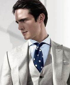 Motifs / Prince de Galles gris clair / Chemise / Pochette / Cravate