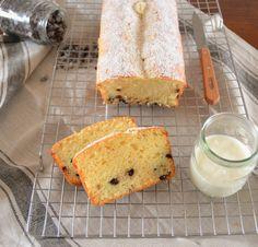 Yogurt&chocolate pound cake #thisishome #ricetteaquadretti