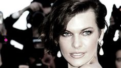 Notizie che non sono: Mickey Rourke, Milla Jovovich e quel film fantasma Medium Hair Styles, Short Hair Styles, Shaggy Bob, Mickey Rourke, Milla Jovovich, Beautiful People, Beautiful Body, Celebrity Hairstyles, Green Eyes