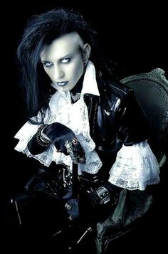 how cool is this young man's style. Goth with a few steampunk bits. Gothic Men, Dark Gothic, Gothic Steampunk, Gothic People, Gothic Models, Dark Beauty, Gothic Beauty, Dark Fashion, Gothic Fashion
