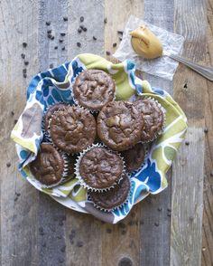 Flourless Chocolate Protein Muffins www.maebells.com
