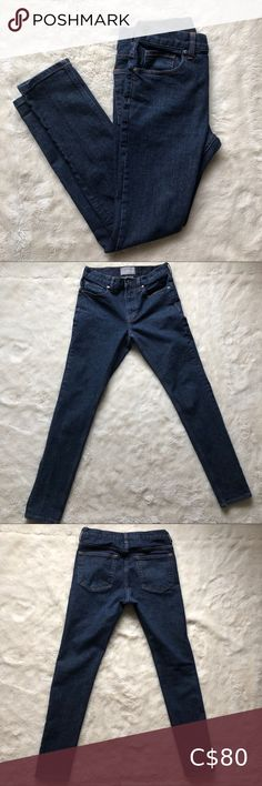 """Everlane Skinny Jeans Medium/Dark Wash Size 29 Size 29 Everlane skinny jeans RN# 139393 Medium/dark wash High rise  Waist - 14"""" Front Rise - 9"""" Inseam - 29.5"""" Hips - 16"""" Length - 38.5"""" Cuff - 5"""" Back rise - 13""""  In excellent condition Have some stretch to them No stains or flaws Everlane Jeans Skinny"""