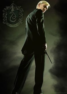 Draco Malfoy - Year Six: Harry Potter and the Half-Blood Prince Draco Harry Potter, Estilo Harry Potter, Draco And Hermione, Mundo Harry Potter, Harry Potter Characters, Hermione Granger, Ron Weasley, Slytherin, Hogwarts