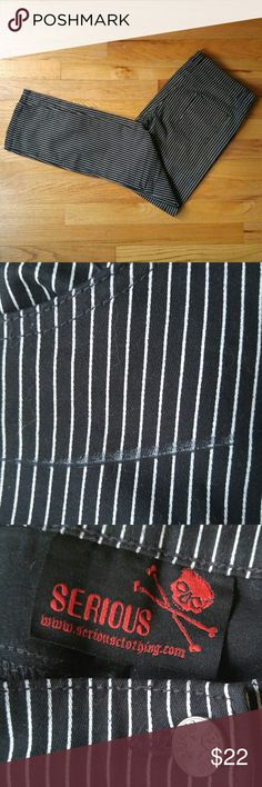 SERIOUS Pinstripe Skinny Pants Jeans Goth Punk L Lowrise skinny jeans by SERIOUS.  Size L but run small (see measurements.) Pinstripe design (defect in pattern under front pocket, see photo.) Back of legs have two panels. Similar style to TRIPP and Lip Service Waist 32 inches Hips 36 inches Length 37 inches Serious Clothing Jeans Skinny