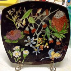 Bush Beauties by Jillian Varga Sold at Campbelltown Art Show. Coin Purse, Porcelain, Art, Art Background, Porcelain Ceramics, Coin Purses, Kunst, Performing Arts, Tableware