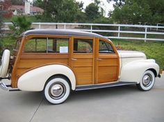 Very rare 1940 Oldsmobile Woody Station Wagon. 1940 was the first year that Oldsmobile produced station wagons and only 633 were made. Custom Lifted Trucks, Custom Truck Parts, Custom Cars, Dually Trucks, Chevrolet Silverado, Classic Chevy Trucks, Classic Cars, Woody Wagon, Truck Wheels