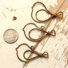 2 Birds Antiqued Solid Brass Wire Handmade by myCorabella on Etsy
