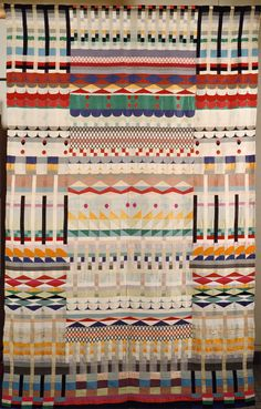 Gunta Stölzl Five Choirs, 1928 Jacquard weave in cotton, wool, rayon and silk 229 x 143 cm