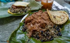 What Costa Rican food is like and our favorite 20 mouthwatering Costa Rican dishes. Also includes our favorite local restaurants Costa Rican Food, Gallo Pinto, Costa Rica Travel, Food And Drink, Beef, Foods, Dishes, Drinks, Breakfast